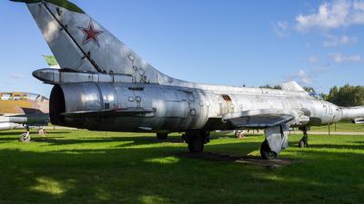 24 - Sukhoi Su-17 Fitter - Soviet Union - Air Force