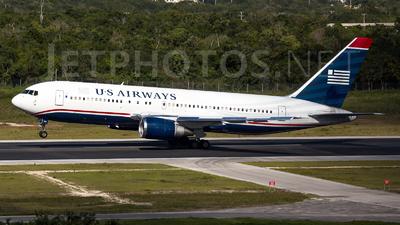 A picture of N251AY - Boeing 7672B7(ER) - [24764] - © Renato Serra Fonseca