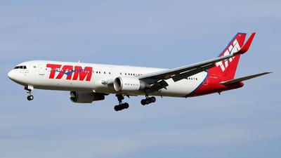 PT-MOF - Boeing 767-316(ER) - LATAM Airlines