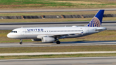 A picture of N418UA - Airbus A320232 - United Airlines - © Rocky Wang