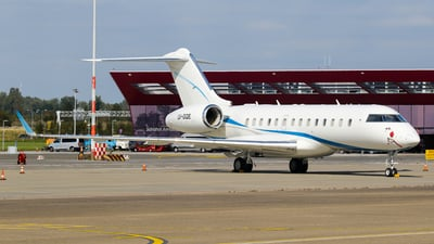 LV-GQE - Bombardier BD-700-1A11 Global 5000 - Private