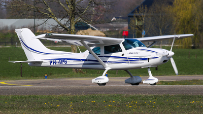 A picture of PH4P6 - TL Ultralight TL3000 Sirus - [16 SI 147] - © C. v. Grinsven