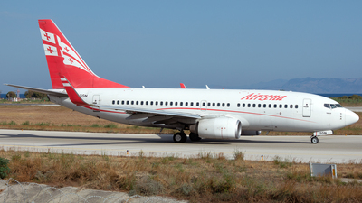 A picture of 4LTGN - Boeing 7377BK - Georgian Airways - © PAUL LINK