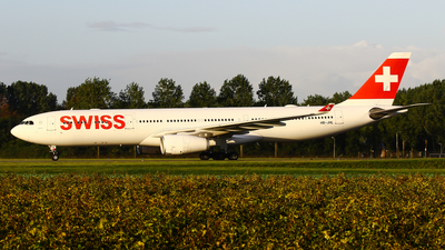 A picture of HBJHL - Airbus A330343 - Swiss - © C. v. Grinsven