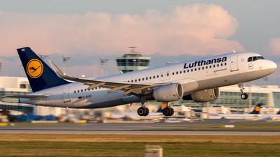 D-AIUU - Airbus A320-214 - Lufthansa
