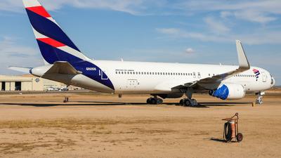 N2820 - Boeing 767-3Q8(ER) - Untitled