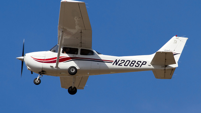 N208SP - Cessna 172S Skyhawk SP - Private