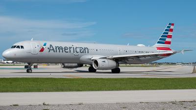 N971UY - Airbus A321-231 - American Airlines