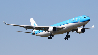 A picture of PHAKB - Airbus A330303 - KLM - © Mark de Bruijn