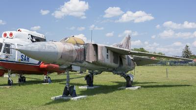 117 - Mikoyan-Gurevich MiG-23MF Flogger B - Poland - Air Force