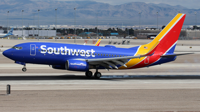 A picture of N201LV - Boeing 7377H4 - Southwest Airlines - © Huy Do