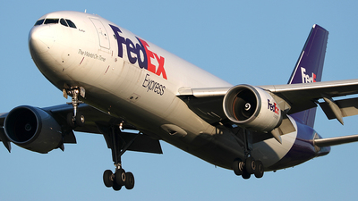 A picture of N669FE - Airbus A300F4605R - FedEx - © Eric Page Lu