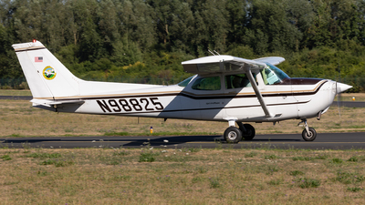 N98825 - Cessna 172P Skyhawk II - Darmstadt Flying Club