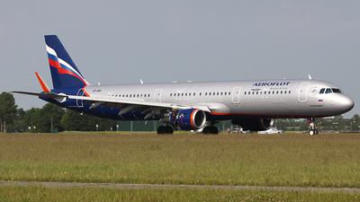 VP-BKI - Airbus A321-211 - Aeroflot