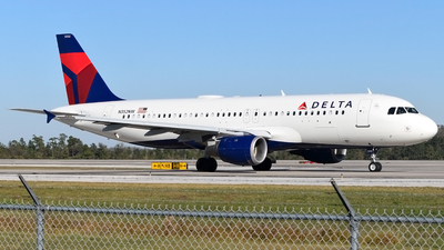 N352NW - Airbus A320-212 - Delta Air Lines