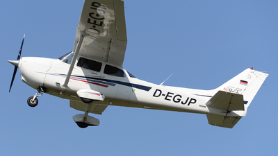 A picture of DEGJP - Cessna 206H Stationair - [U20601972] - © Ricarda Kuhn