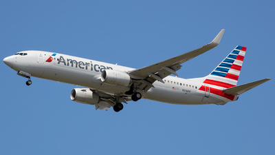A picture of N316PF - Boeing 737823 - American Airlines - © Stephen J Stein