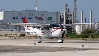 SP-CUT - Cessna 182T Skylane - Private