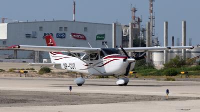 A picture of SPCUT - Cessna 182T Skylane - [18282104] - © ErezS
