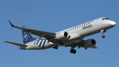 A picture of EIRND - Embraer E190STD - [19000512] - © Didier Vittoz