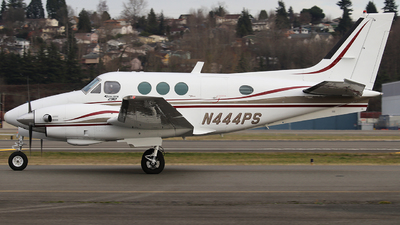 A picture of N444PS - Beech C90 King Air - [LJ615] - © Weliang