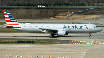 A picture of N562UW - Airbus A321231 - American Airlines - © mariaPGAer