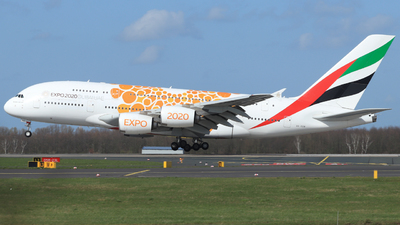A picture of A6EOB - Airbus A380861 - Emirates - © Korschi