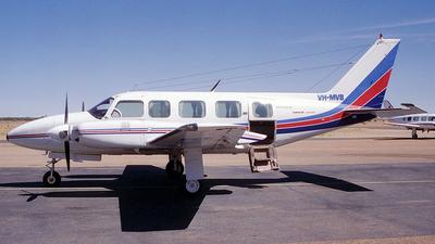 VH-MVB - Piper PA-31-350 Navajo Chieftain - Private