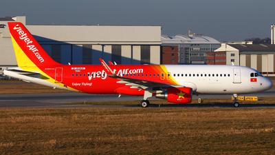 D-AXAA - Airbus A320-214 - VietJet Air