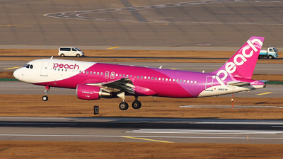 JA807P - Airbus A320-214 - Peach Aviation