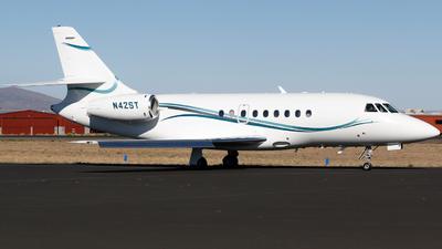 N42ST - Dassault Falcon 2000 - Private