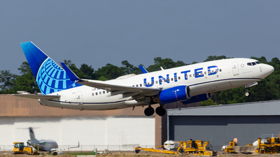 A picture of N24715 - Boeing 737724 - United Airlines - © Matthew Scott