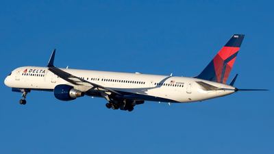 N585NW - Boeing 757-351 - Delta Air Lines