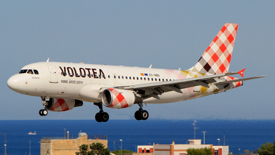 A picture of ECNBD - Airbus A319112 - Volotea - © Pampillonia Francesco - Plane Spotters Bari