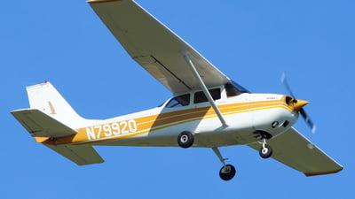 A picture of N79920 - Cessna 172K Skyhawk - [17258248] - © nicholastoto