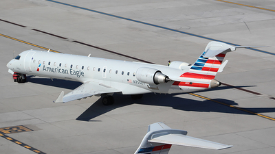 A picture of N755EV - Mitsubishi CRJ701ER - American Airlines - © Alexander Aston