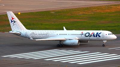 64053 - Tupolev Tu-204-100B - Rossiya - Special Flight Squadron