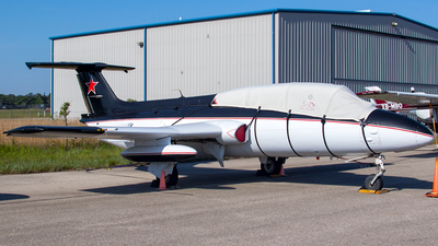 N82601 - Aero L-29 Delfin - Private