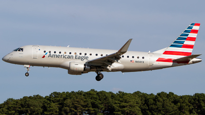 A picture of N414YX - Embraer E175LR - American Airlines - © Joe Waxman