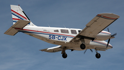 5B-CJX - Piper PA-34-220 Seneca III - Private