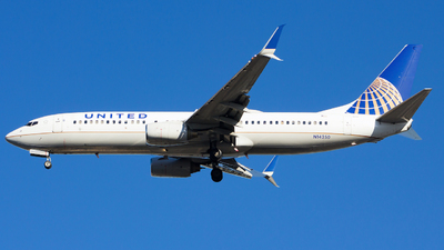 A picture of N14250 - Boeing 737824 - United Airlines - © Xiamen Air 849