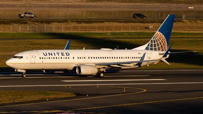 A picture of N76528 - Boeing 737824 - United Airlines - © Yishai Howe
