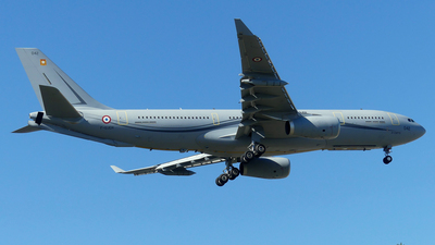 042 - Airbus A330-243(MRTT) - France - Air Force