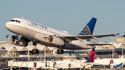 N830UA - Airbus A319-131 - United Airlines