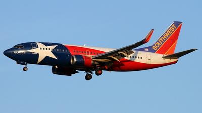 A picture of N352SW - Boeing 7373H4 - [24888] - © Daniel Schwinn