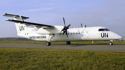 A picture of CGHQZ - De Havilland Canada Dash 8300 - Voyageur Airways - © Matthias Becker