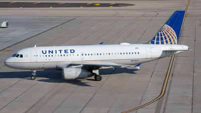 A picture of N829UA - Airbus A319131 - United Airlines - © Charlie Ramirez Jr.