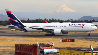 CC-CWF - Boeing 767-316(ER) - LATAM Airlines