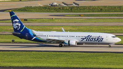 A picture of N253AK - Boeing 737990(ER) - Alaska Airlines - © Paul Venture