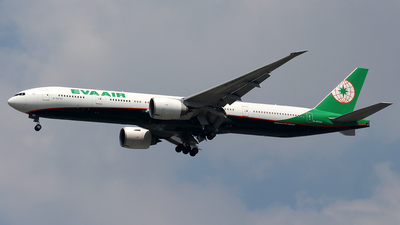 A picture of B16740 - Boeing 77735E(ER) - EVA Air - © Huy Do